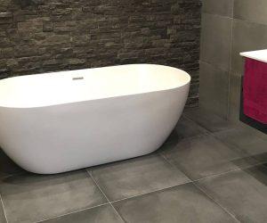 Badkamermuur steenstrips