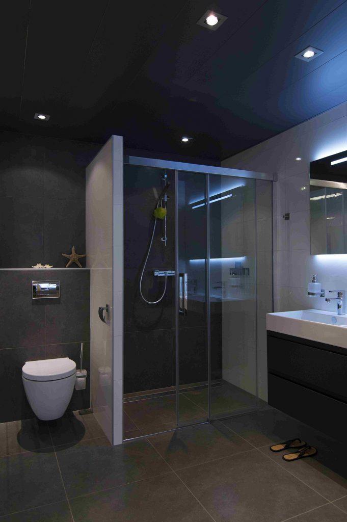 Badkamers bakker tegels badkamers - Mooie badkamers ...