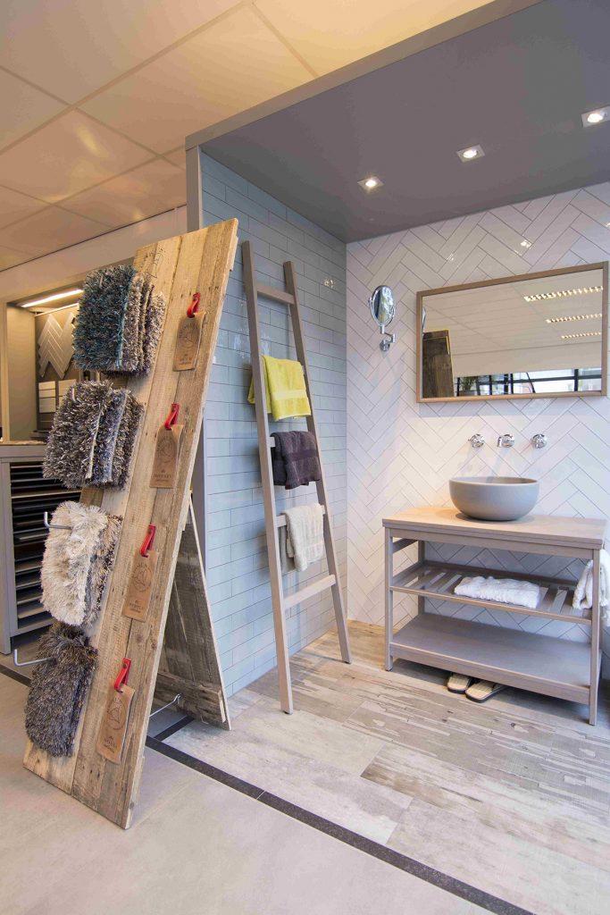 Badkamers bakker tegels badkamers for Badkamer maken 3d