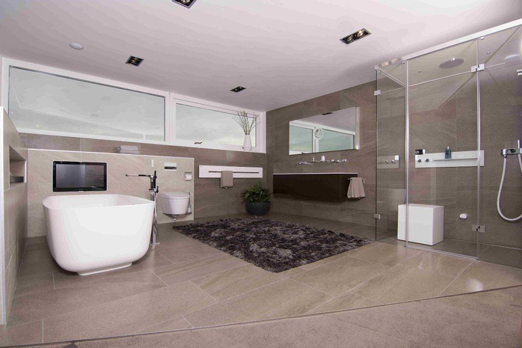 Grote wandtegels bakker tegels badkamers for Wandtegels badkamer