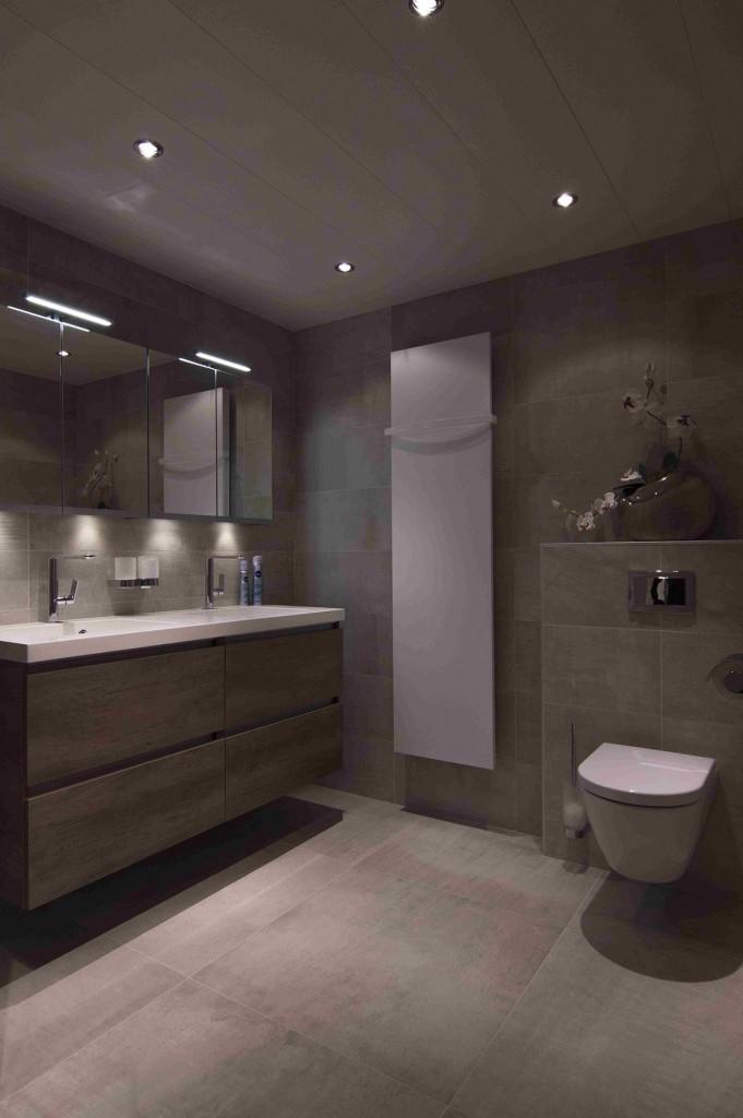 Badkamer showroom bakker tegels badkamers - Bad kamer ...