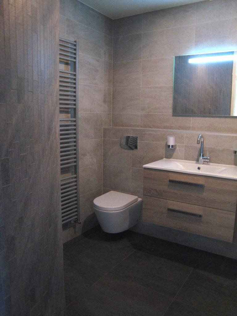 Badkamers bergschenhoek bakker tegels badkamers - Badkamer ontwerp ...