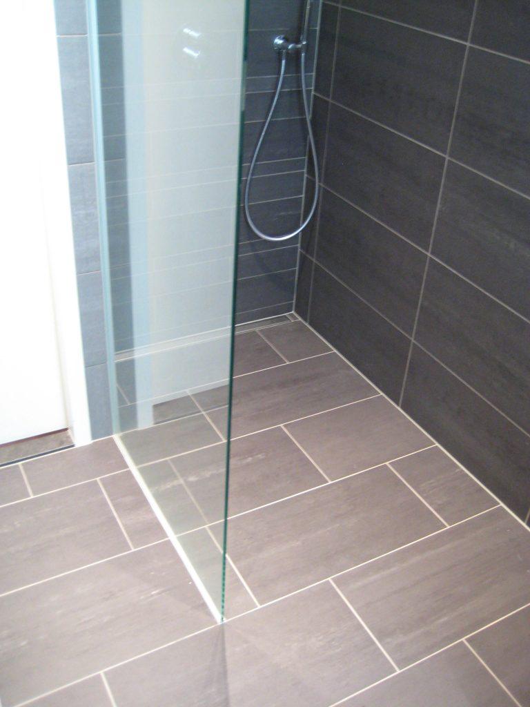 Badkamers delft bakker tegels badkamers - Badkamer jaar ...