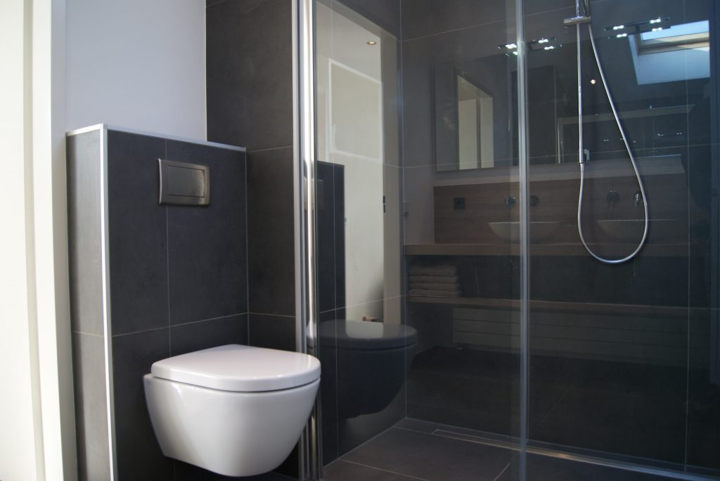 Badkamers rotterdam bakker tegels badkamers - Wc muur tegel ...