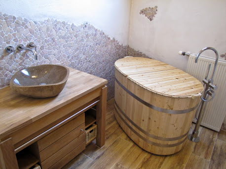 Bruine Vloertegels Badkamer : Vloertegels badkamer houtlook hete ...
