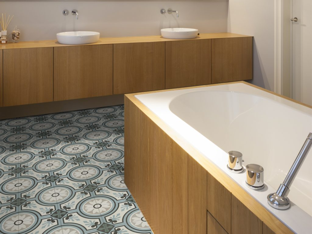 Portugese tegels bakker tegels badkamers for Badkamer tegels