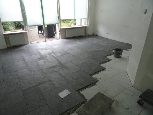 Tegels 39 s gravenzande bakker tegels badkamers - Vloertegel cement ...