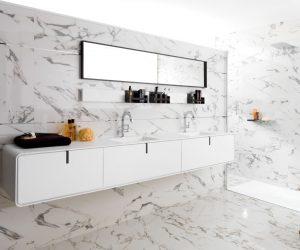 Tegels in badkamer wand en muur