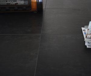 Voorbeeld donkere vloer