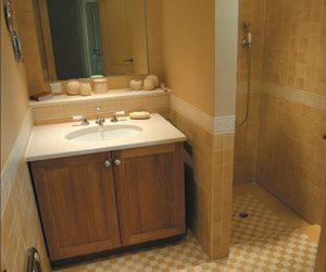 Warme tegels in badkamer
