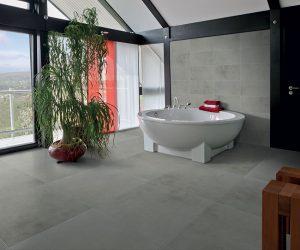 Grote tegels in badkamervloer
